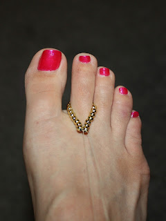 DIY Foot Jewelry for a Summer Wedding