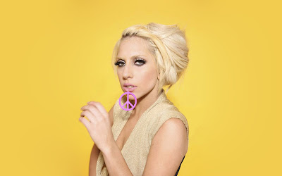 Lady gaga in yellow