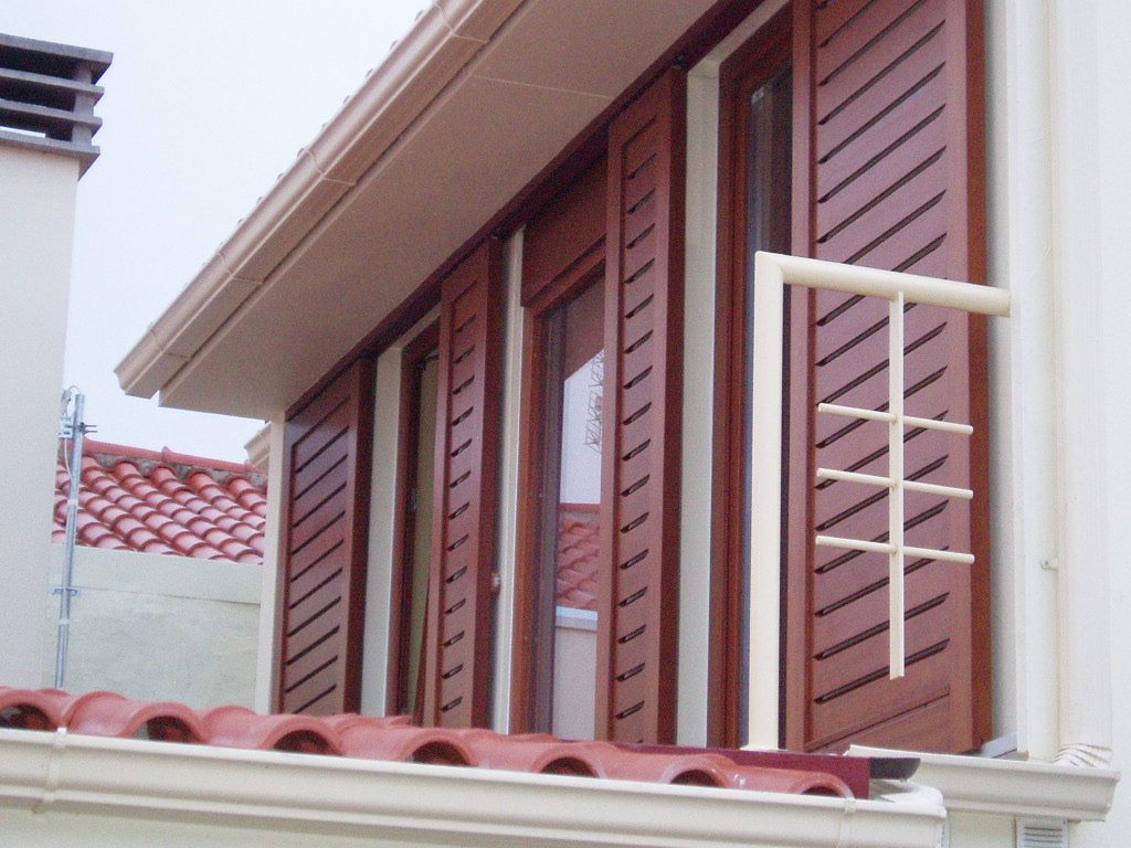 volets en bois fen tres jega mail tel 00351 917253706. Black Bedroom Furniture Sets. Home Design Ideas