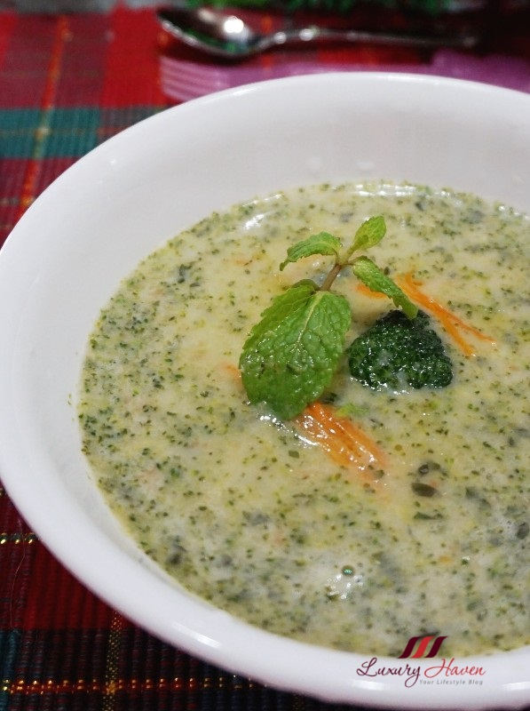cream of broccoli with mint for christmas