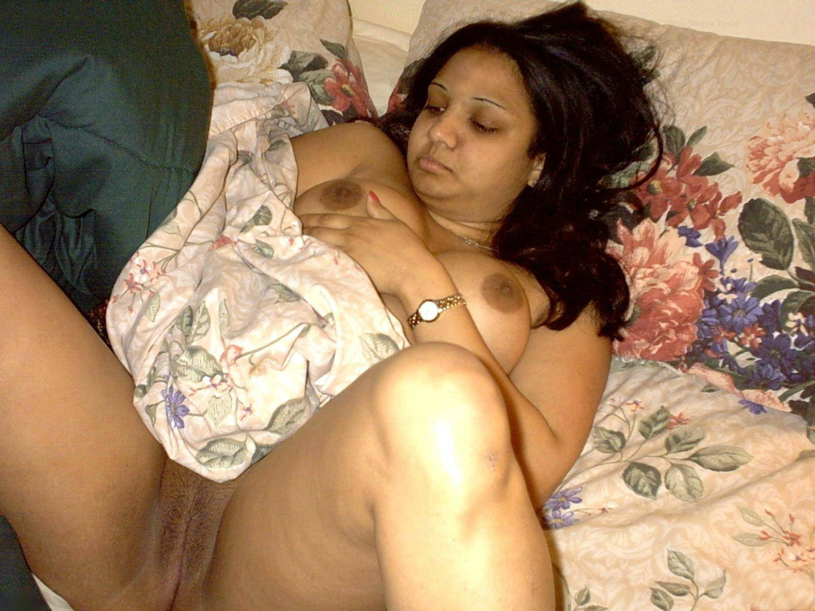 Chubby Indian Girlfriends Big Boobs, Big Shaven Pussy And Disgusting -9813