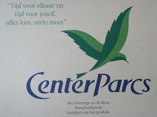 center parcs Tijd voor elkaar en tijd voor jezelf, alles kan, niets moet Het lettertype en kleur benadrukken de kwaliteit van het product.