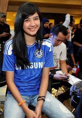 Foto Wallpaper Mikha Tambayong