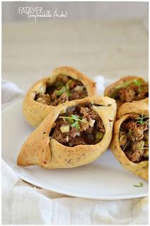 Empanada árabe de carne y verduras: receta casera de Fatayer o fatay