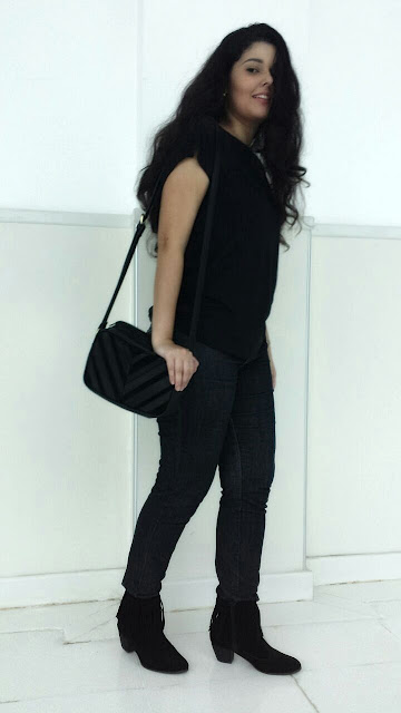 Look do dia: All black + bota + franjas