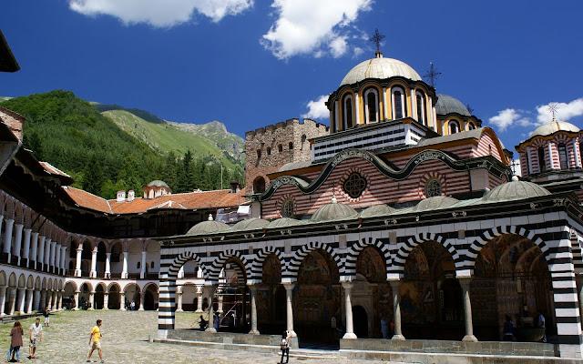 Monasterio de Rila, Bulgaria, parque nacional de Rila, turismo.
