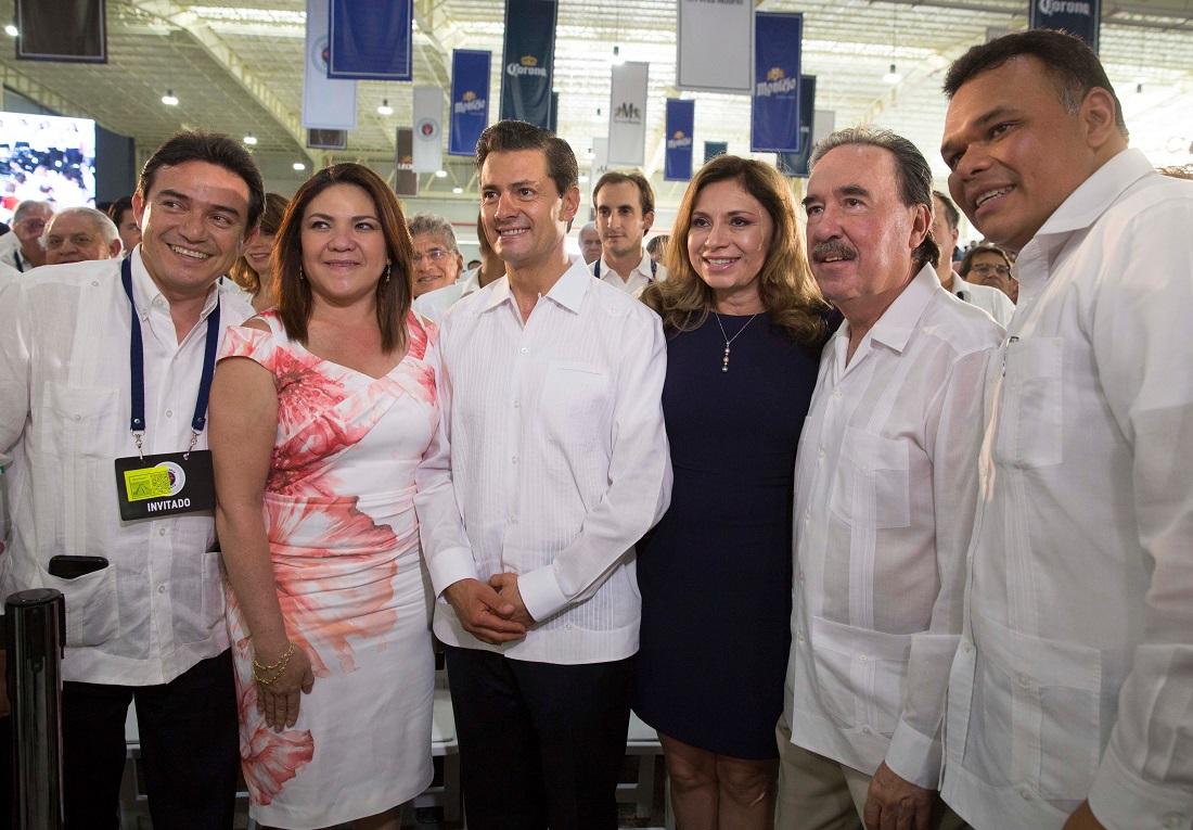 Peña Nieto felicita a madres mexicanas