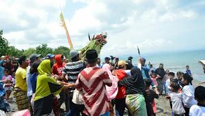 Roah Segara, Kearifan Lokal Masyarakat Pesisir Lombok Merawat Harmoni dengan Alam