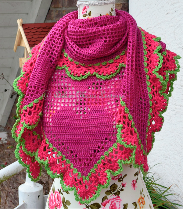 Folkloristic Valentine's Shawl by Atelier Marie-Lucienne