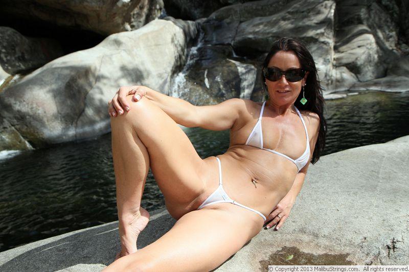 ellen aussie model Sue bikini