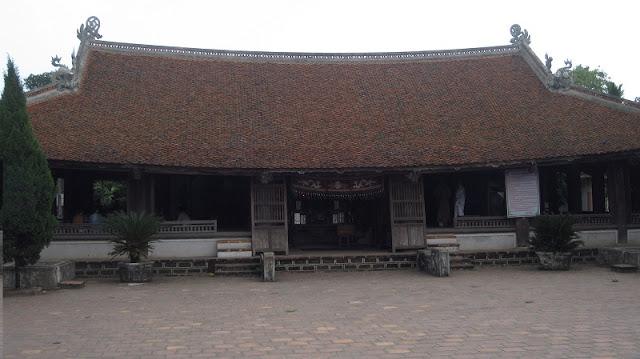 "Duong Lam ancient village, ""the land of two kings"" 2"