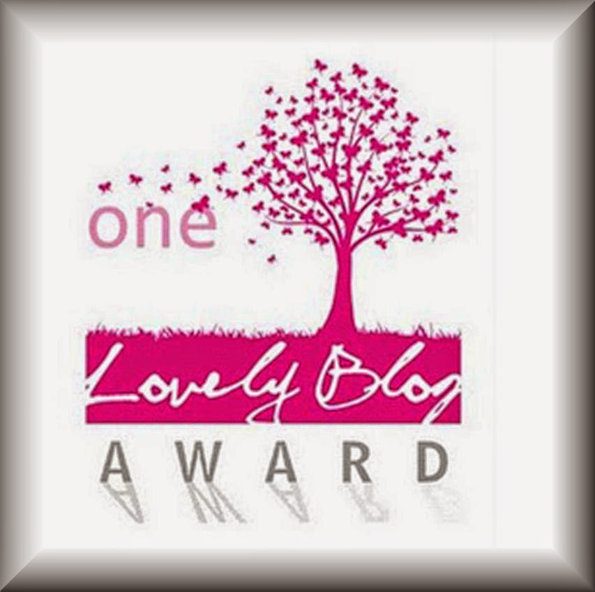 TRES PREMIOS ONE LOVELY