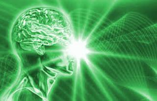 Szkic przedstawiający ludzki mózg w symbolice umusłu