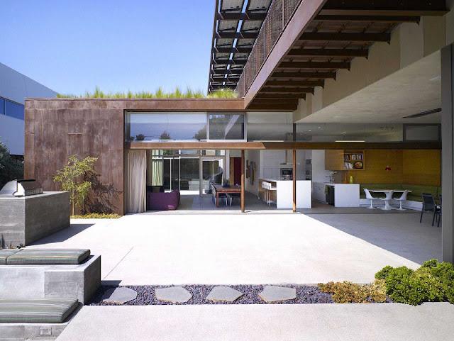 04 Yin-Yang House by Brooks + Scarpa Architects