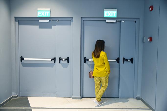 adina nanes yellow suit
