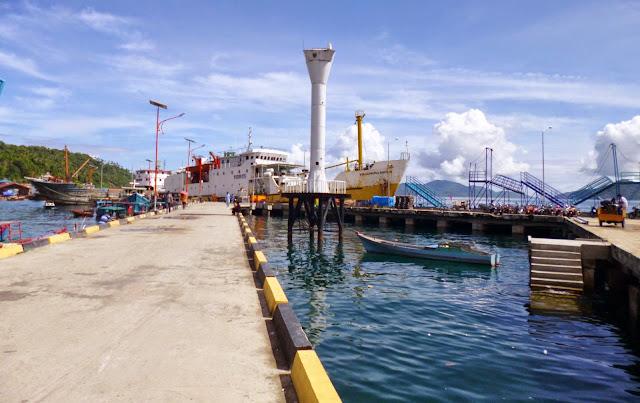 Pelabuhan Kota Tarempa Photo Sayuti Malik Pelabuhan Kota Tarempa Pulau Siantan Kabupaten Anambas Indonesia - Halamankepri