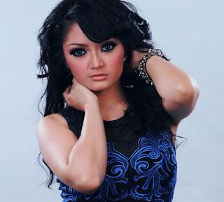 Download Lagu Siti Badriah Senandung Cinta Mp3