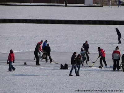 Eisbahn Eishockey Hamburg Winter Stadtpark