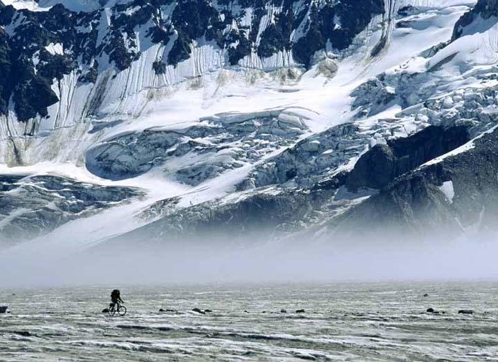 karlı dağ manzaralı kış resimleri