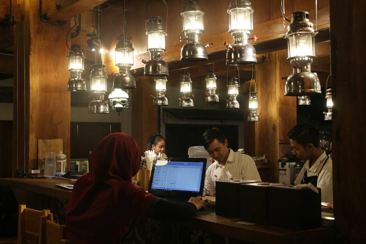 Beritaorangkita Java Dancer Cafe Bernuansa Elegant