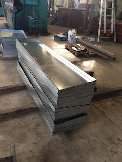 Bandejas metálicas en hierro galvanizado a medida Murcia