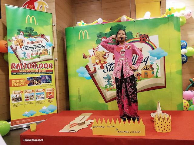 Bawang Putih & Bawang Merah - Contestant #8, complete with own props