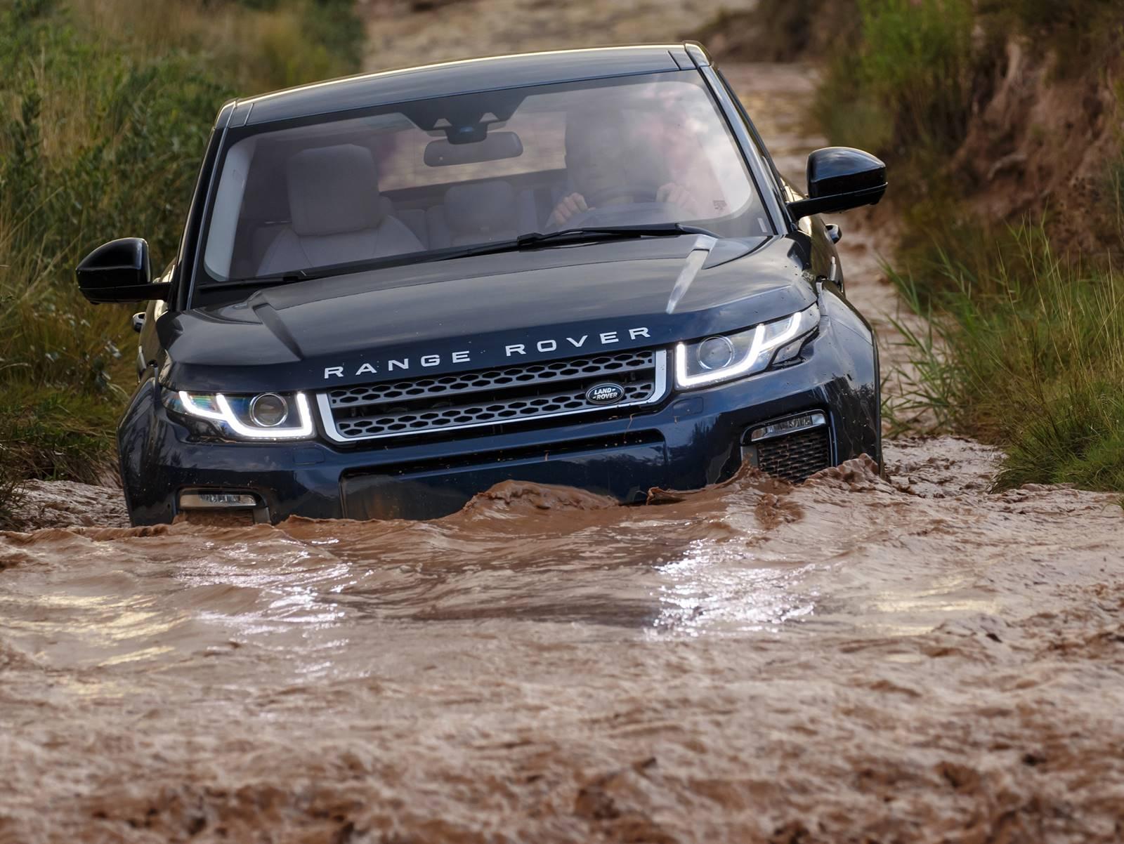 58bfbd93e0883 ... e preços começando em R  224 mil reais. Range Rover Evoque SE 2017 -  Brasil