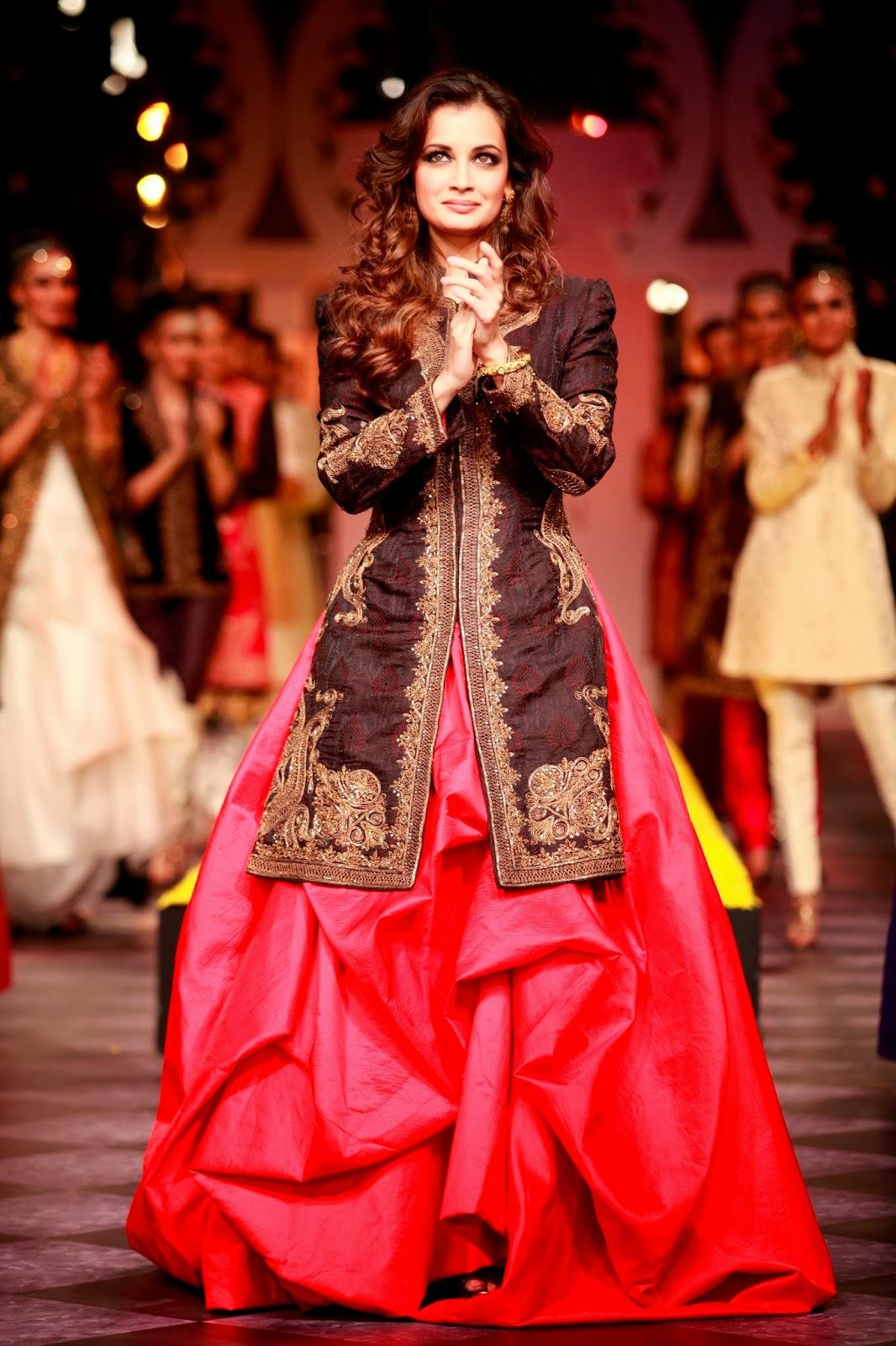Indian Ethnic Designer Fashion Men Women By RAGHAVENDRA
