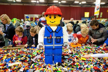 buongiornolink - Troppi ordini alla Lego, rischio Natale