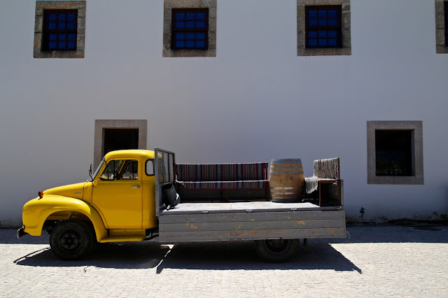 bedford truck, quinta do crasto portugal
