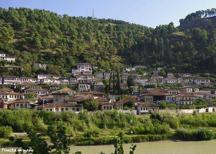 """""""miasto tysiąca okien"""" Berat"""