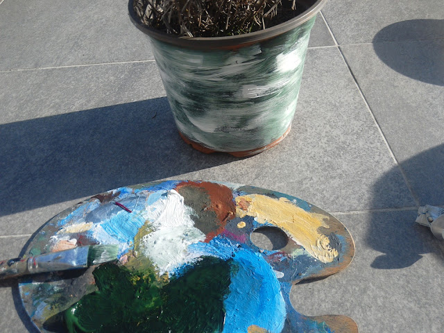 How to handpaint a plant container using acrylic paints?