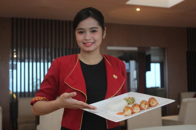 Roll Prawn dan Aprilicious Menu Utama Dihadirkan Hotel Santika Makassar