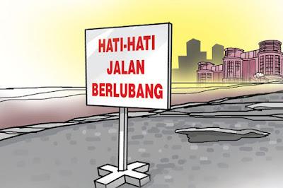 "Dishub Karawang Pasang Rambu Lalu-lintas ""Pemberitahuan Jalan Rusak"""
