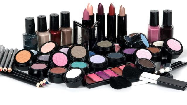 Bisnis Kosmetik dan alat kecantikan