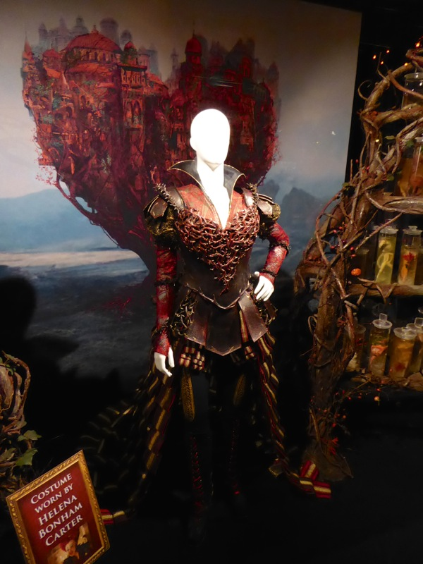 Red Queen movie costume Alice Through the Looking Glass