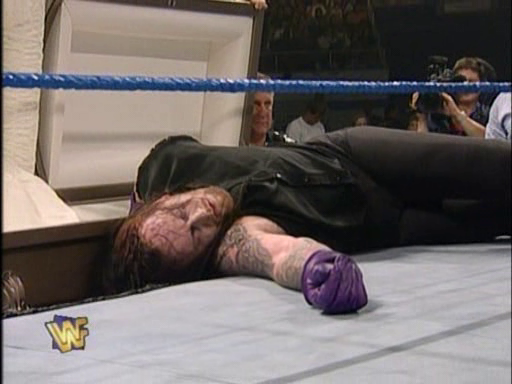 WWF / WWE - In Your House 2 - The Lumberjacks - Undertaker faced Kama in a casket match