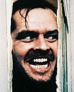 Jack Nicholson en la película El Resplandor, personaje parecido al de la canción La tumba falsa, de Los Tigres del Norte | Ximinia