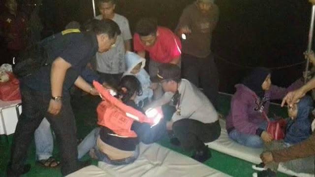 Keluar Lintasan, KMP Sita Giri Nusa Kandas