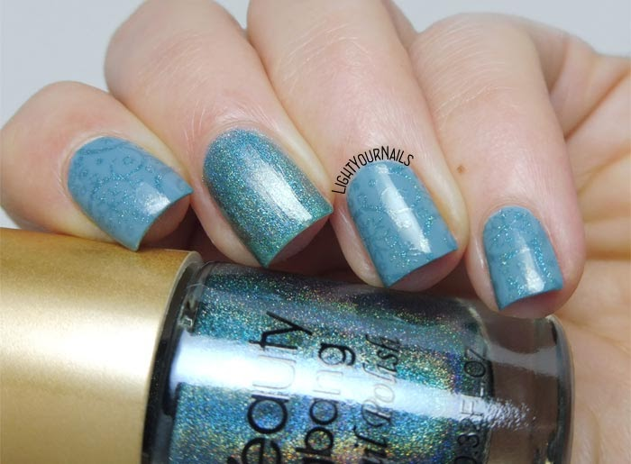 Subtle winter holo stamping nail art feat. BeautyBigBang BBBXL-030 plate and holo stamping polish Seagreen 03