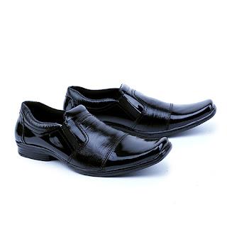sepatu kerja pria,grosir sepatu kerja pria,groisr sepatu kerja pria.suplier sepatu kerja di cibaduyut,groisr sepatu kantor murah bandung,gambar sepatu kerja pegawai bank,model sepatu lancip tanpa tali,pengrajin sepatu kerja cibaduyut,model sepatu kerja tanpa tali
