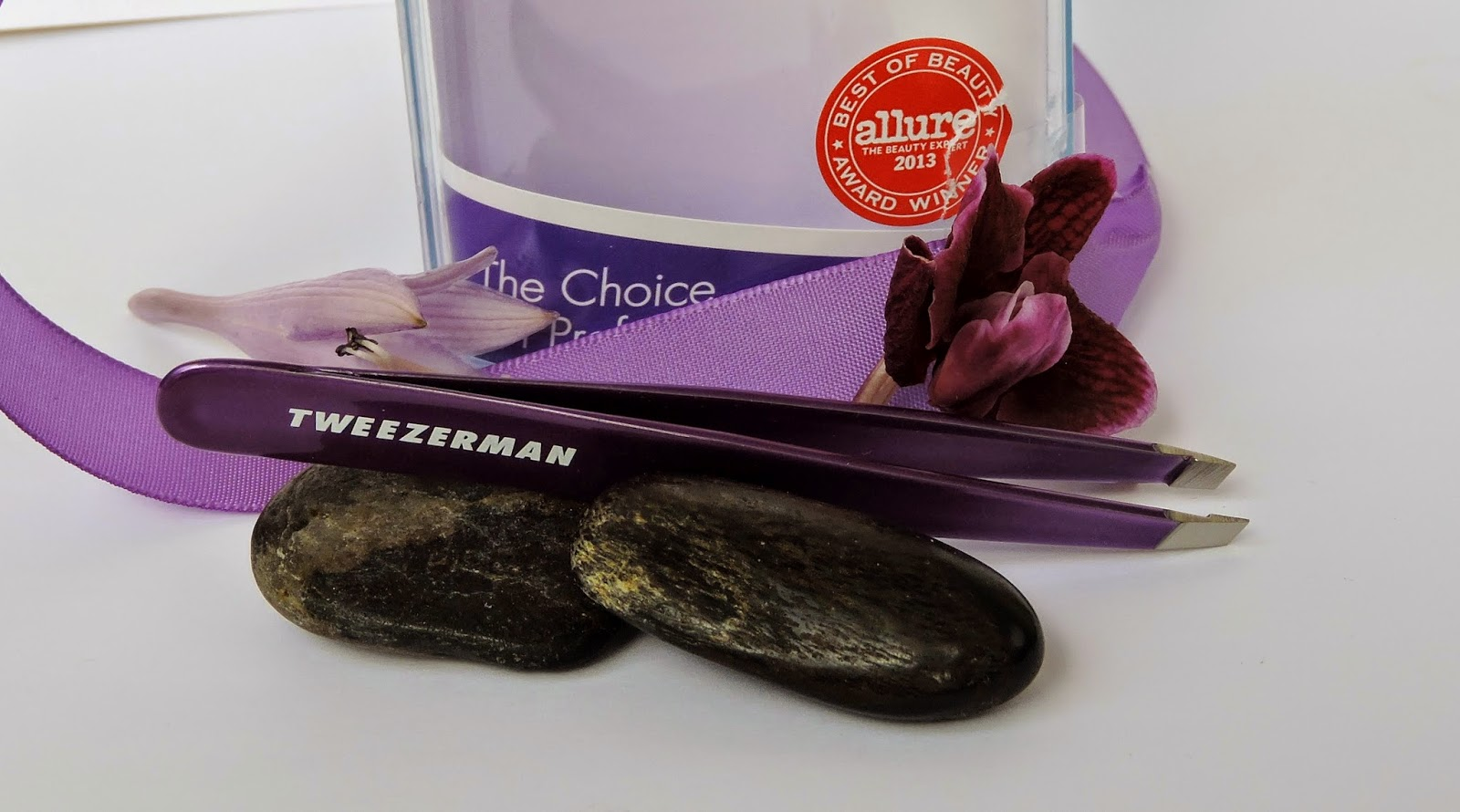 Tweezerman Slant Tweezers, Reign, Review, Beauty, Haircare, Makeup, Eyebrow, Arch, Plucking, Grooming, The Purple Scarf, Melanie.Ps, Toronto, Ontario, Canada, Award winning, Professional, Lou Lou Shops, Toronto Eaton Centre