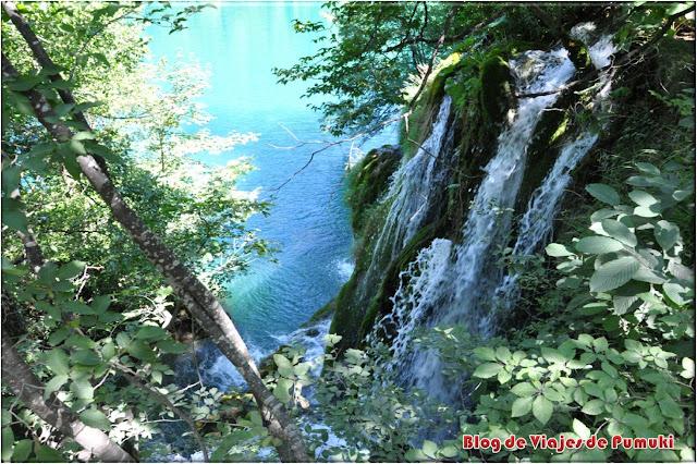 P.N. de los Lagos de Plitviche en Costa Rica. Naturaleza exuberante.