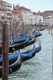 Proue des gondoles de Venise
