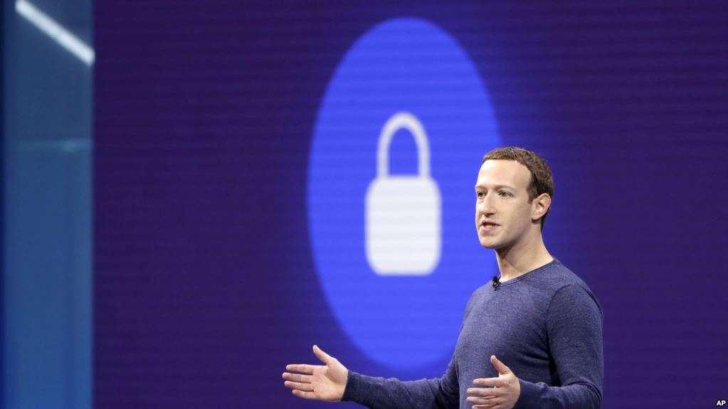 El emporio de Zuckerberg descartó que fallas se traten de un ataque cibernético / AP