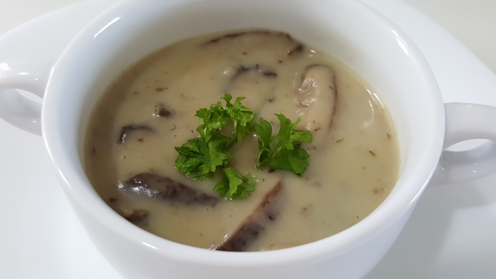 how to cut shiitake mushrooms for soup