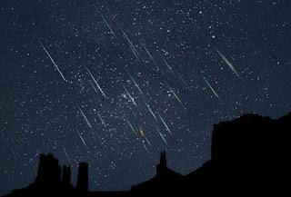 Fim de semana tem chuva de meteoros e fenômeno é observado na PB; veja dicas para contemplação