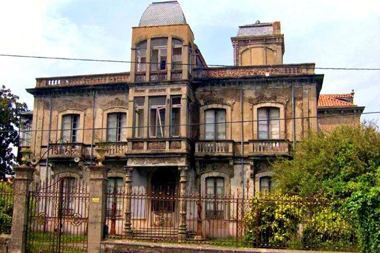 Rumeli köyündeki perili köşk, Yusuf Ziya Paşa tarafından 1910 yılında yaptırılmıştır.