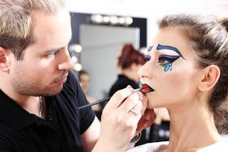 profesi makeup artist