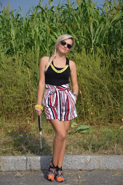 outfit canotta nera come abbinare una canotta nera abbinamenti canotta nera outfit nero outfit settembre 2016 outfit estivi mariafelicia magno fashion blogger colorblock by felym fashion blogger milano  web influencer italiane